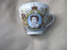 COLLECTABLE TAMS STAFFORDSHIRE SILVER JUBILEE TEA CUP 1977 ELIZABETH II